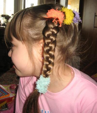 детская прическа на Новый год для девочки фото.