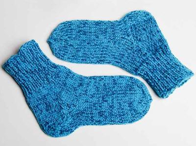 Как связать носки на спицах ребенку.